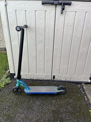 £100 • Buy MGP VX8 Ltd Team Edition Stunt Scooter In Neo Hydra With Blunt Envy Wheels