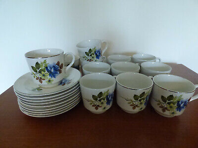 £15 • Buy Vintage Porcelain Barratts Of Staffordshire 12 Cups & 9 Saucers, Delphatic White