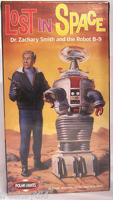 AU83.44 • Buy Lost In Space Movie Dr Zachary Smith + Robot B-9 Polar Lights Plastic Model Kit