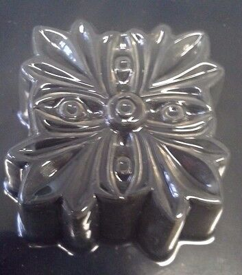 $5.50 • Buy Milky Way Soap Mold Leaf, 4 Cavity, Soapmaking Mould Flower Cross NEW  #159