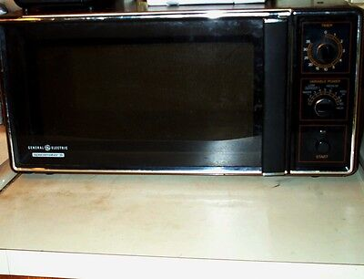 $165 • Buy MICROWAVE OVEN VIntage 1984 GE Spacemaker II Rotary Knobs W Glass Tray Appliance