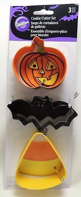 Wilton 2308-0105 Halloween 3 Piece Cookie Cutter Set Pumpkin Bat Candy Corn  • 3.79£