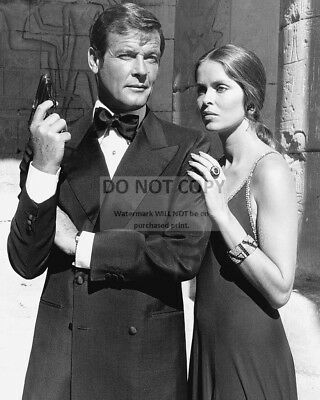 $ CDN9.65 • Buy Roger Moore & Barbara Bach In  The Spy Who Loved Me  - 8x10 Photo (aa-757)