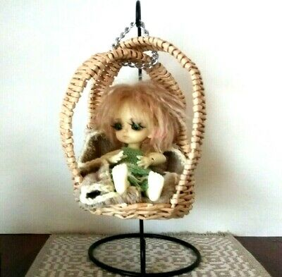 Miniature Hanging Chair With Metal Stand 1:8 Scale Lati Yellow Pukifee Dollhouse • 24.81£