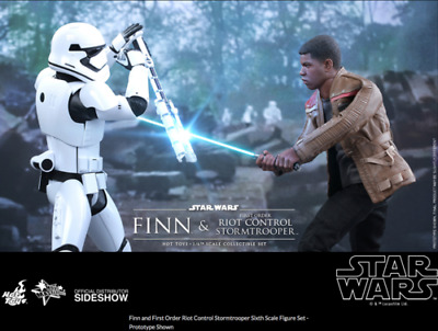 AU539.99 • Buy Star Wars Hot Toys Force Awakens Finn & Riot Control Stormtrooper 1:6 HOTMMS346