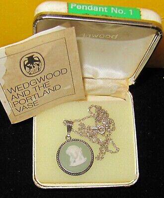 £60 • Buy Wedgwood Sterling Silver Green Jasper Pendant& 925 Silver Italy Necklace ~Boxed