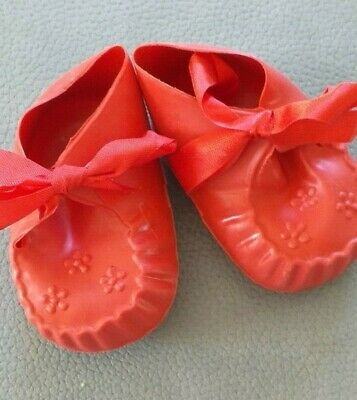 89 Mm SOFT RED PLASTIC CINDERELLA DOLL SHOE WITH TIE FASTENING No.4 M  • 5.90£