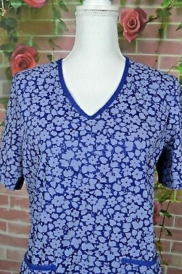 $10.99 • Buy Barco Womens Scrub Top Size Medium Blue Floral 2 Pockets S272