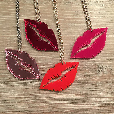 Lipstick Kiss Necklace. Cool, Funky, Laser Cut. Valentine, Girlfriend Present • 7£