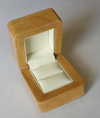 Luxury Quality Wooden Jewellery Presentation Ring Box ~ Light Wood Colour • 12.99£