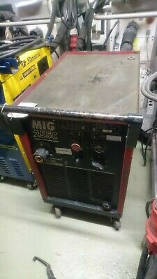 Cebora 255c MIG Welder - Second Hand Unit 2283 • 500£