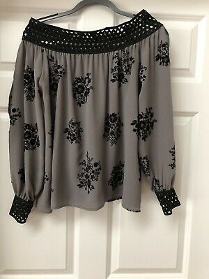 $ CDN21.77 • Buy Ariella  Off The Shoulder Gray With Black Beautiful Blouse Size S