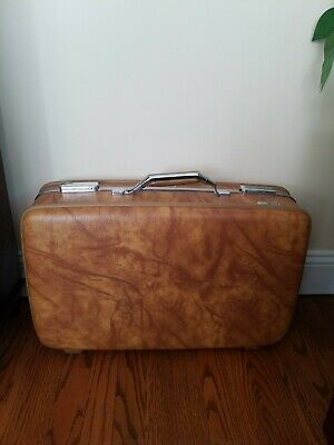 View Details Suitcase American Tourister Suitcase Hard Case Vintage - VGC - GREAT OLD CASE • 69.00$