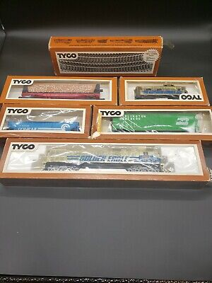 $ CDN129.60 • Buy Vintage Lot Of 7 Tyco HO Scale Electric Trains Set With Accessories