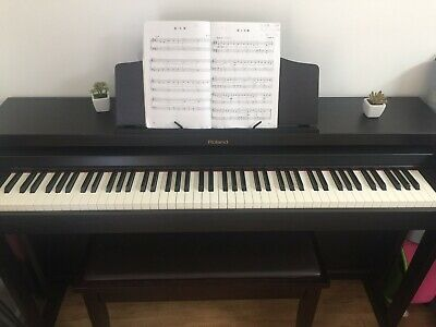 AU2000 • Buy Roland HP504 Rosewood Digital Piano And Premium Bench(Original Price Is 3000)