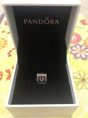 AU20 • Buy Authentic Pandora Silver V Letter Block Retired Great Condition