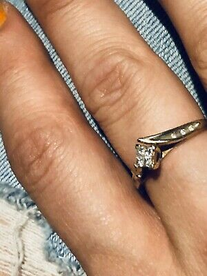 AU55 • Buy 9ct Gold Ring With Diamonds UnWanted Gift, It's 1.49g Size 7-8 Australian