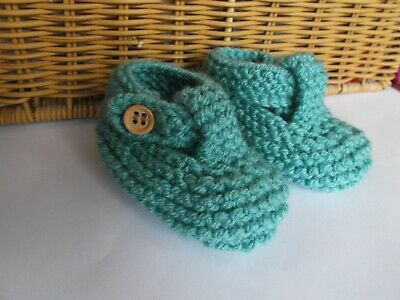 HAND KNITTED BABY SHOES/BOOTIES 0-3 Months Light Green • 1.60£