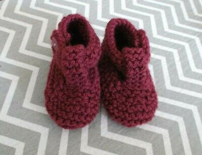 HAND KNITTED BABY SHOES/BOOTIES 0-3 Months Light Maroon • 1.60£