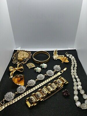 $ CDN133.66 • Buy Vintage Jewelry Lot Coro Razza Monet Lucite. 14 Pieces Signed And Unsigned