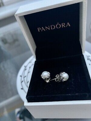 Pandora Pearl Earrings, With Silver Detail, Brand New • 13.50£