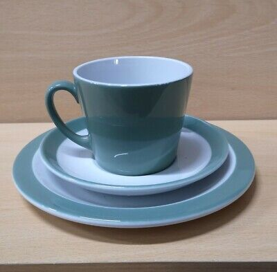 Woods Ware Green NHS Tea Cups And Plates • 2.50£