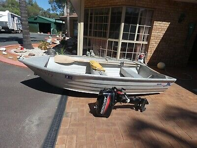 AU1250 • Buy Quintrex 10 Ft Boat With 5 HP Mercury Motor