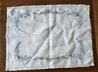 Vintage Beige Embroidery Doily Dressing Table Place Mat Tray Cloth • 4£