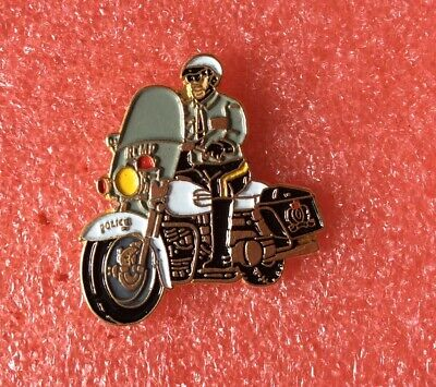 Pins POLICE MOTO CANADA RCMP Traffic Branch Motorcycle Lapel Pin Badge Tie Tac • 7.16£