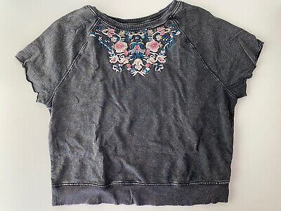AU45 • Buy Urban Outfitters ECOTE Embroidered Floral Tshirt Size M