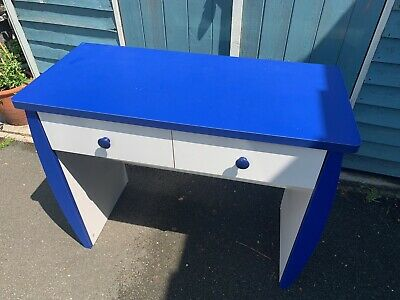 Childs School Desk • 5£