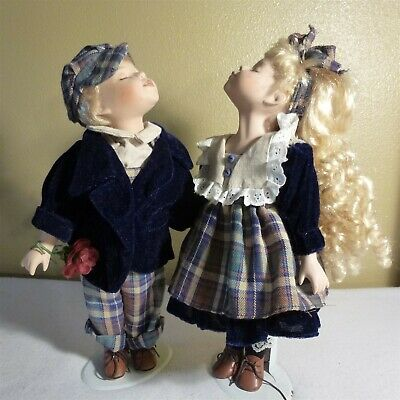 $ CDN17.58 • Buy VICTORIAN BEAUTY KISSING PORCELAIN DOLLS, 14   W Stands - Gently Loved - EUC