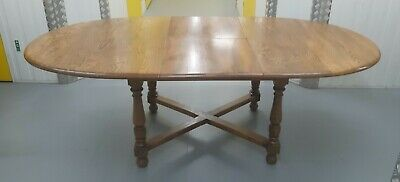 Large Ercol Extending Dining Room - Kitchen Table. Good Condition • 96£