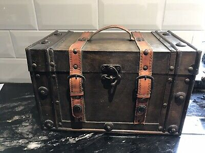 Vintage Wooden Jewellery Box Chest With Faux Leather Straps 20 X 20.5 X 34 Cm • 18£