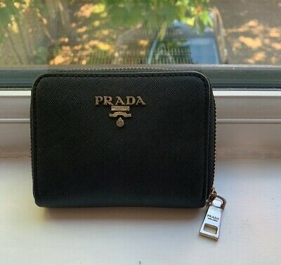 Prada Purse (perfect Condition) :) • 35£