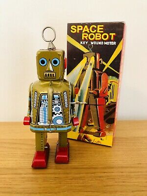 Tin Space Robot Toy Figure With Key • 10£