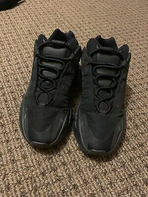 $ CDN383.15 • Buy Yeezy 700 Mnvn Black Size 10 Pre Owned Authentic