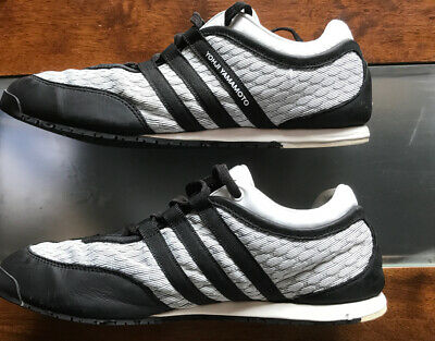 Y3 Trainers Size 8.5 • 35£