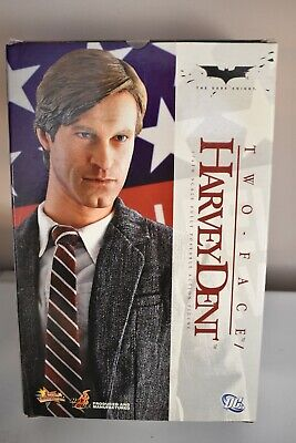 $ CDN439.64 • Buy Hot Toys Harvey Dent Two Face Batman The Dark Knight MMS81 1/6 Scale