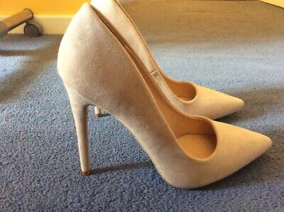 Missguided Size 6 Euro 39 Suede High Heeled Shoes • 15£