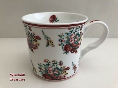 Victoria & Albert Museum London Bone China Rose Spray Floral Mug • 9.99£
