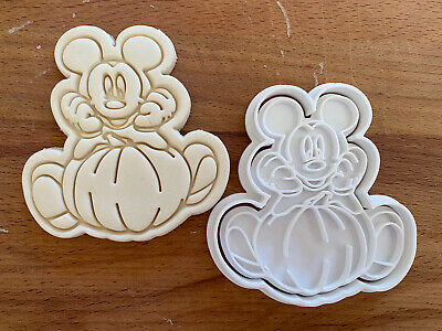Mickey Mouse (1) Halloween Cookie Cutter • 5.47£