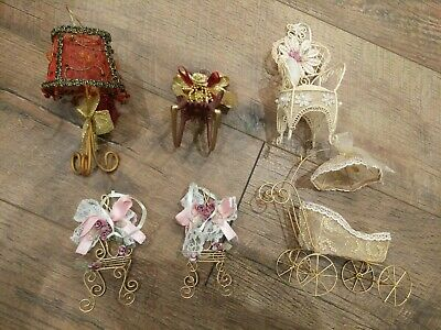 Lot Of 6 Christmas Tree Ornaments Beautiful Vintage Style Chairs Lamp Red Gold  • 18.99£