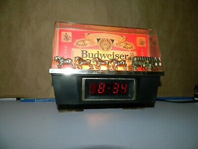 $ CDN117.59 • Buy Vintage Budweiser Bar Tavern Light Clydesdale's Lighted Clock Beer Sign