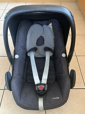 Maxi Cosy Pebble Car Seat. Group 0+. Adapters And Rain Cover. Used See Pictures • 20£