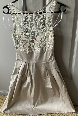 AU20 • Buy Forever New Ladies Dress Size 6