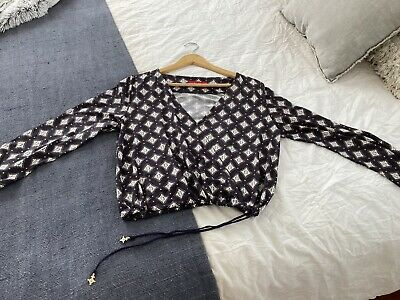 AU15.50 • Buy Tigerlily Top 10