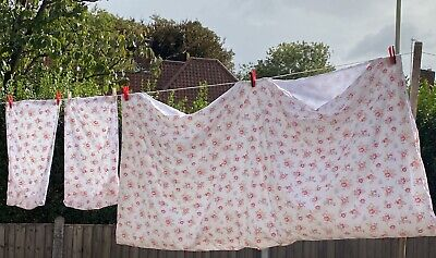 Cath Kidston 'Camberwell Rose' Reversible Double Duvet Cover And Pillowcases • 60£