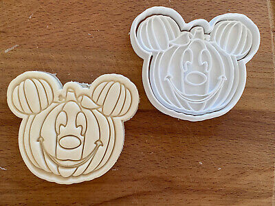 Mickey Mouse (3) Halloween Cookie Cutter  • 5.47£
