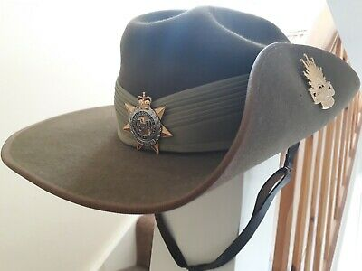 Australian Army Slouch Bush Hat With Cap, Army & Unit Badges Pugaree Leather • 29.40£